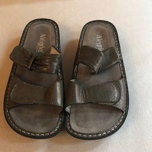 Algeria sandals